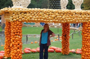 me under pumpkin hut